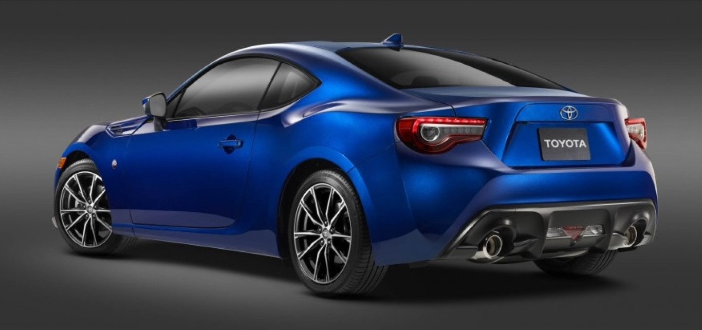 2017 Toyota 86 2 105 876x535 Medium